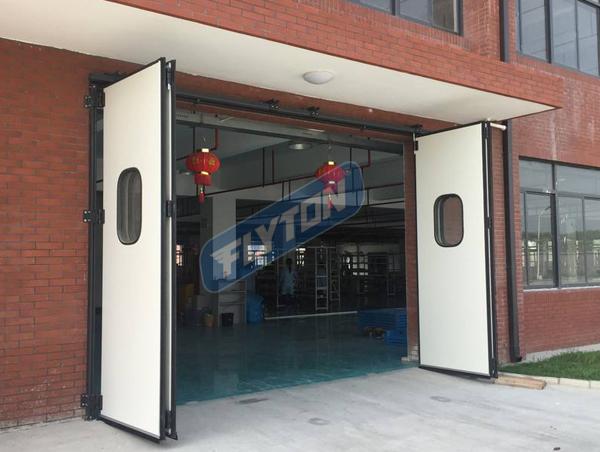 工厂折叠门